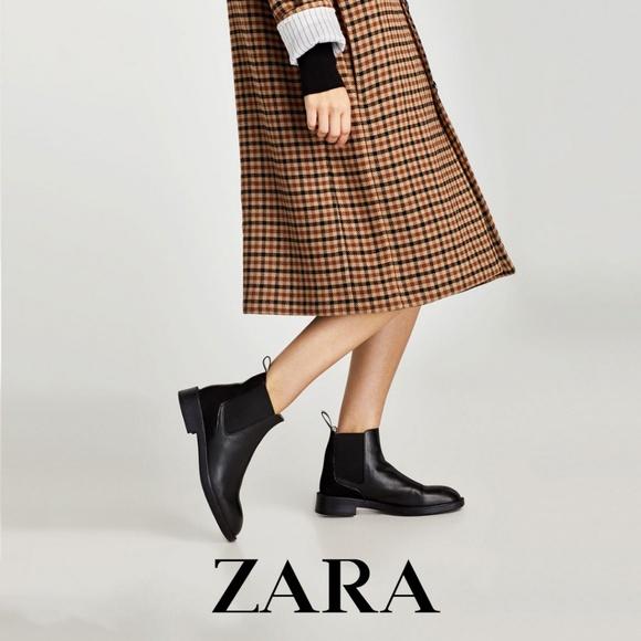 Zara Woman Flat Chelsea Boots